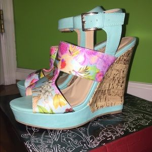 NEW Turquoise Floral Liliana Wedges